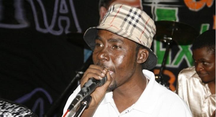Nimekuja kuvivaa viatu vya Banza Stone- Hans Stone   East Africa Television